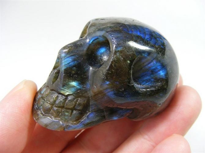 Labradorite Skull - 65mm, 144grms