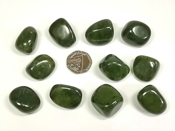 Serpentine - Chinese Deep Green, Tumble Stone
