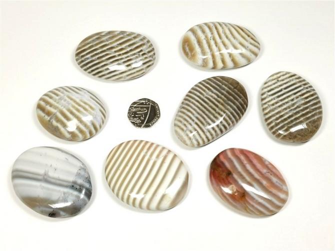Banded Flint Palm Stone